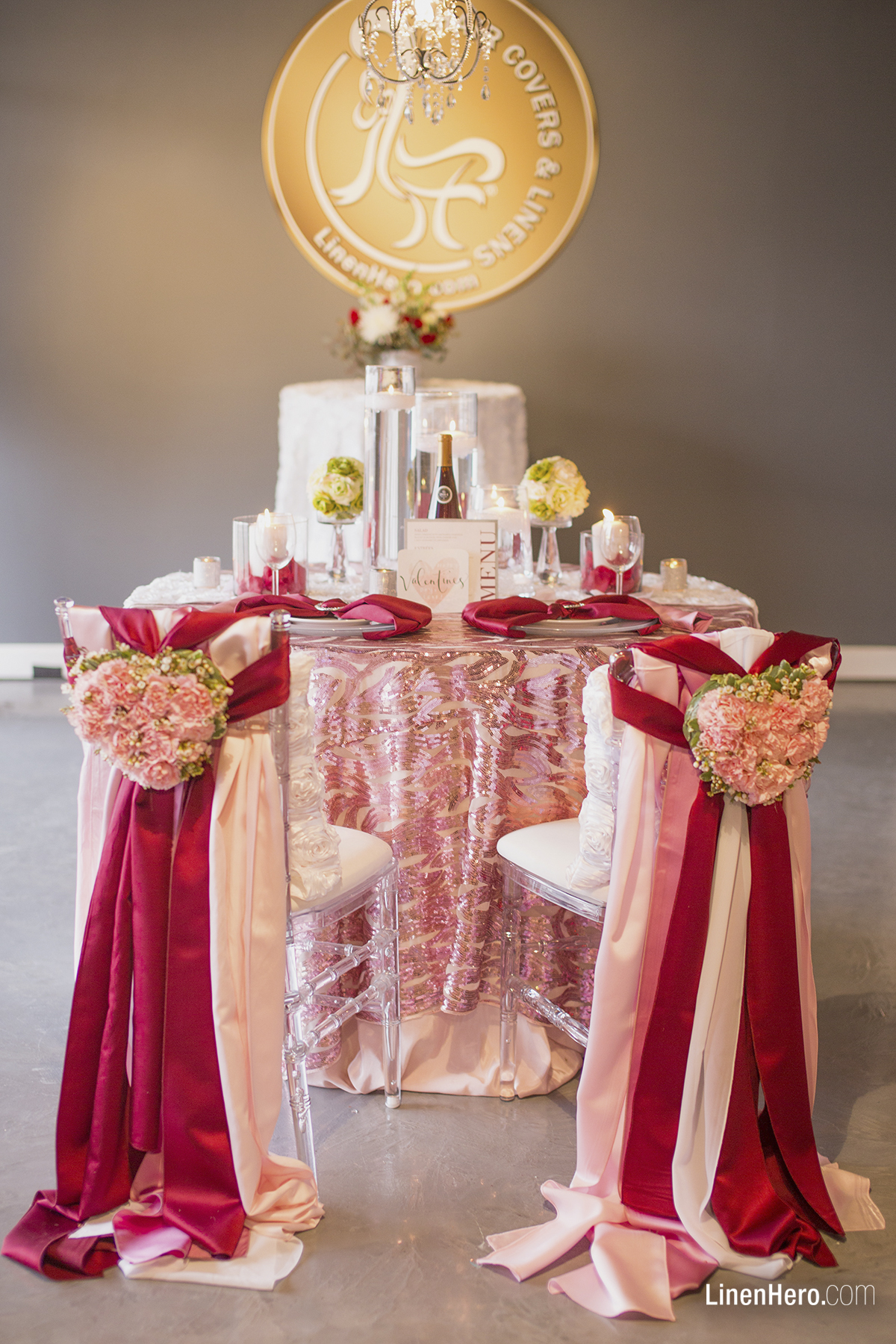 Romantically Blushing Sweetheart Table Linen Hero
