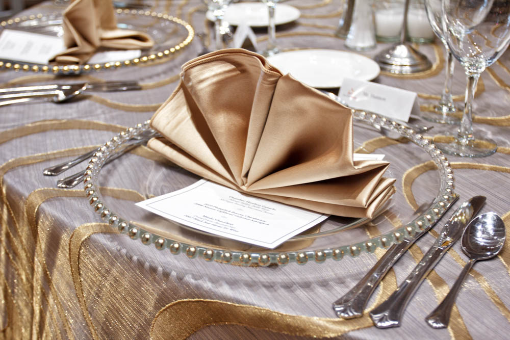 4 Easy And Elegant Ways To Fold Napkins For Your Wedding Linen Hero